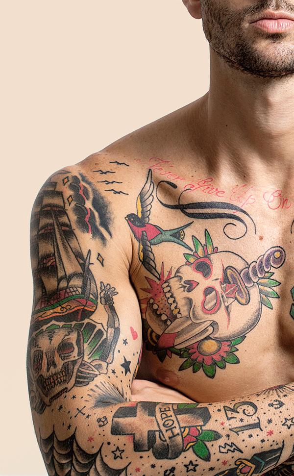 Strax crema hidratante brazo tatuado